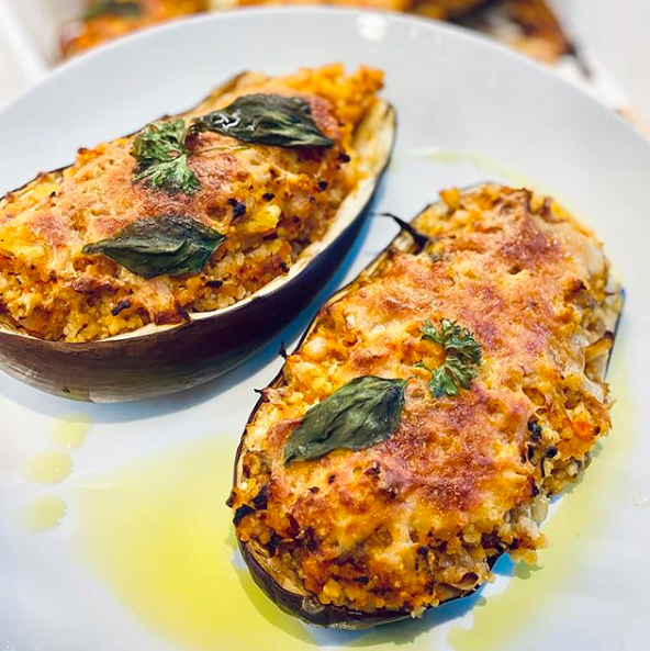 Stuffed aubergines with millet groats and mozzarella